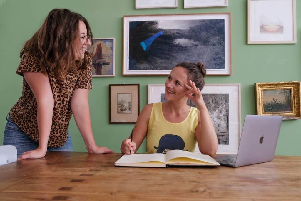 Coralie and Aurelie having a discution